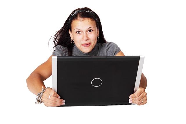 žena, nadšení, notebook